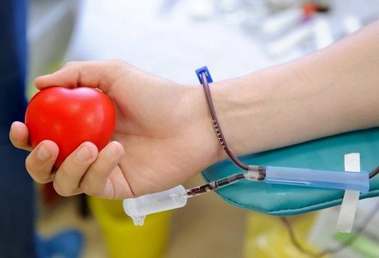 Можно ли во время месячных сдавать кровь